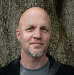 Speaker - Dirk Grosser
